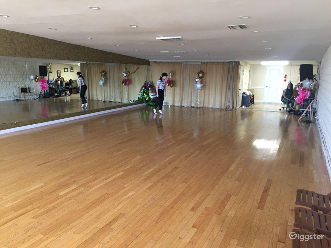 Versatile Dance Studio in Tarzana Photo 1