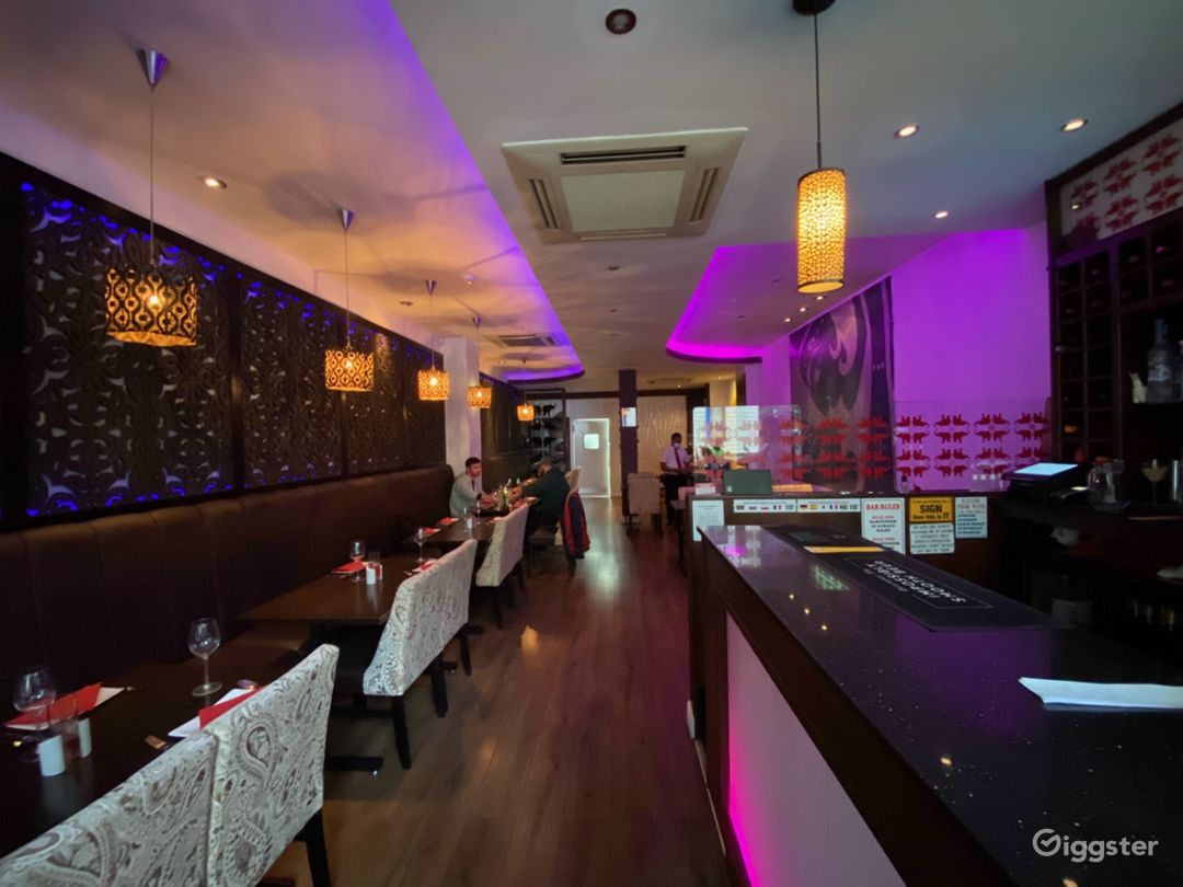 Beautiful restaurant near London and tower bridge  Photo 1
