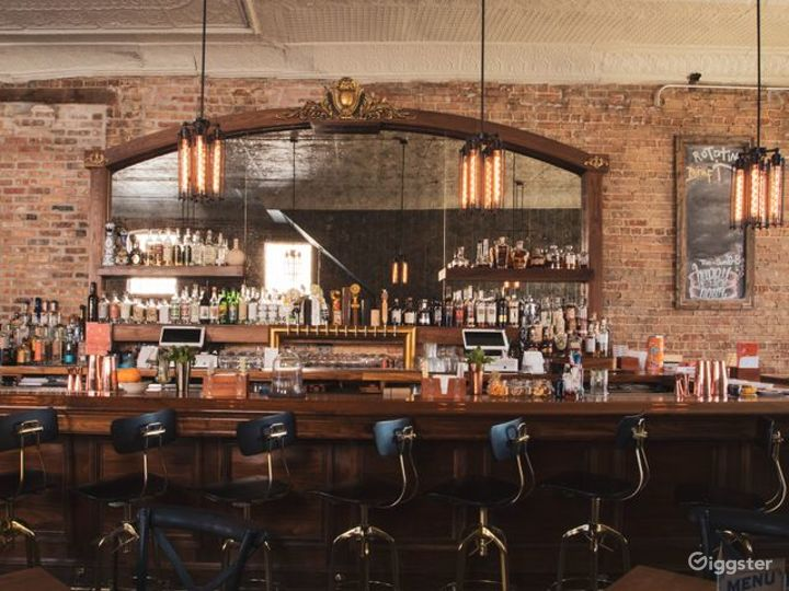 Chicago's Finest Drinking Bar & Restaurant Photo 2
