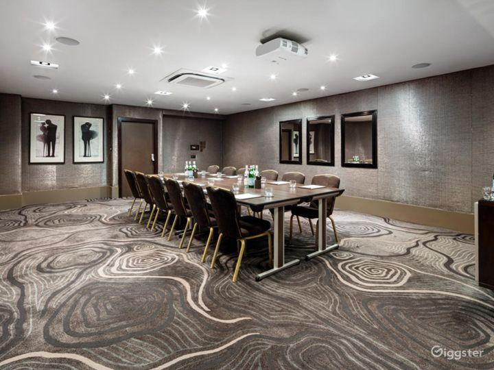Ravishing Private Room 3 in Bloomsbury Street, London Photo 2