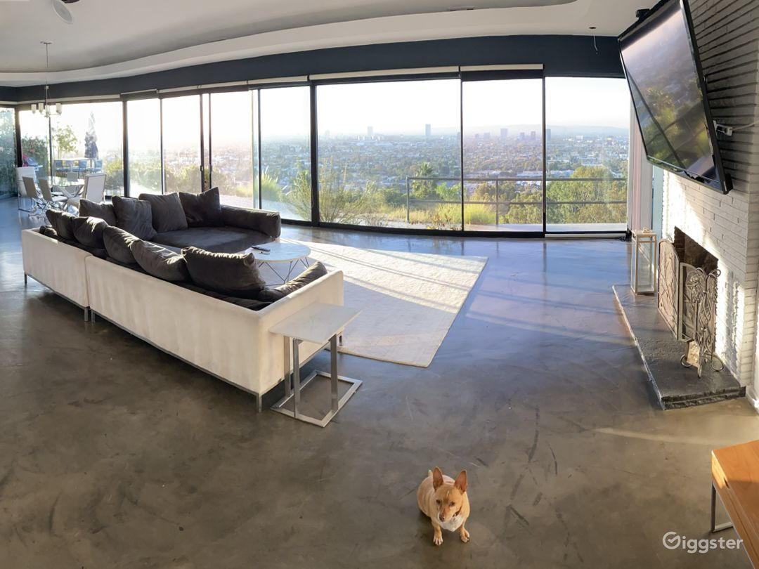 Hollywood hills house with Unobstructed views Photo 3