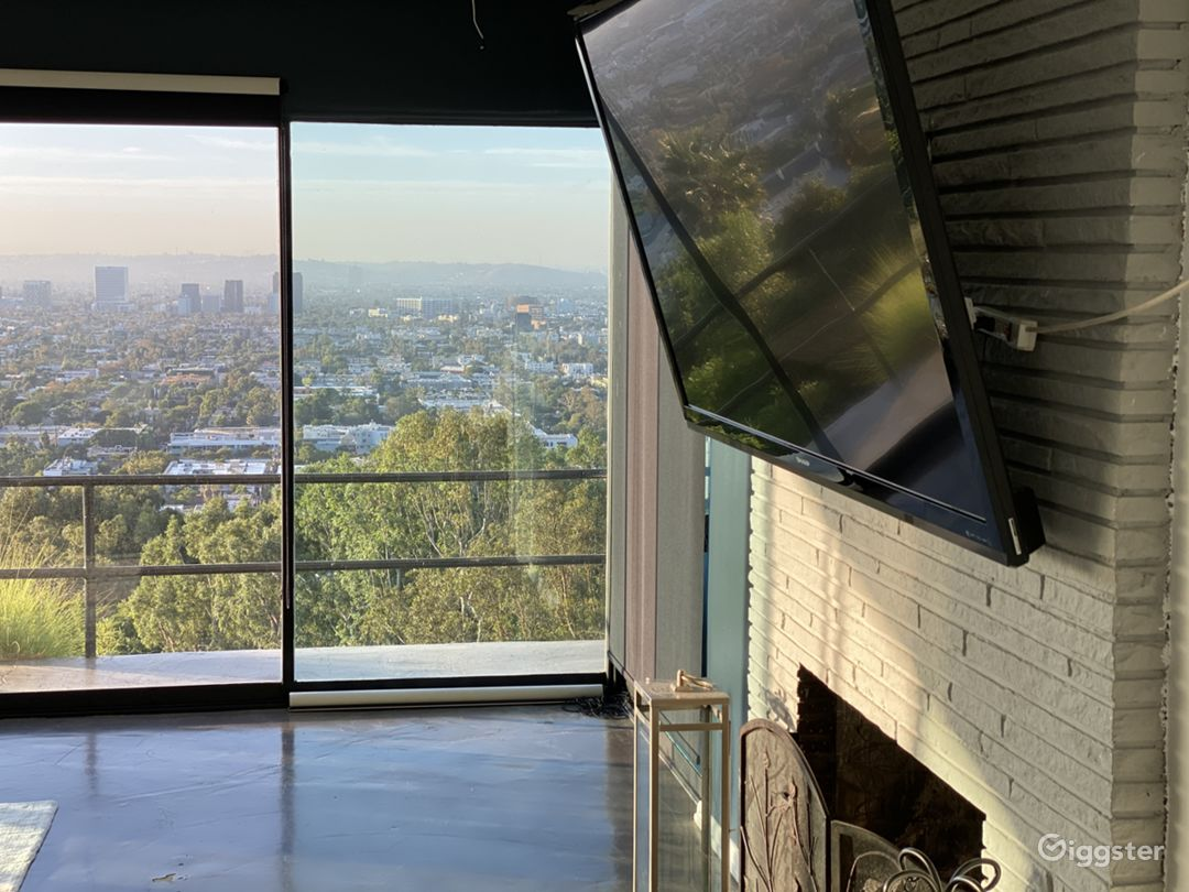Hollywood hills house with Unobstructed views Photo 5