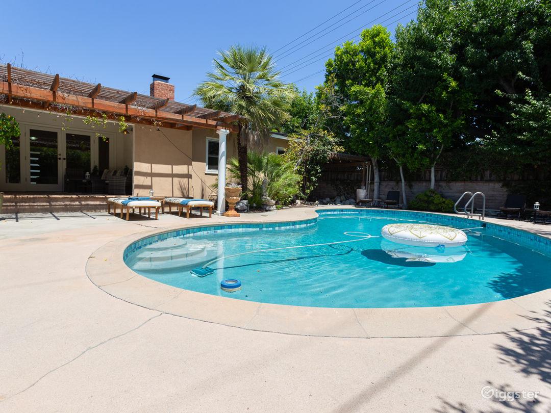 Stylish Studio City Home-Pool-Spa-Outdoor Kitchen Photo 3