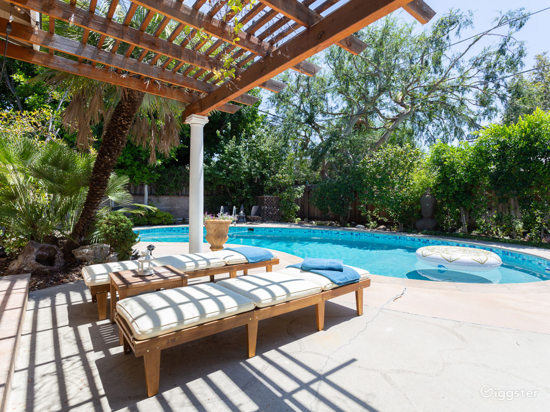 Stylish Studio City Home-Pool-Spa-Outdoor Kitchen Photo 1