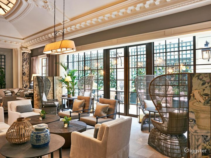 Extravagant Palm Court in Bloomsbury, London Photo 5