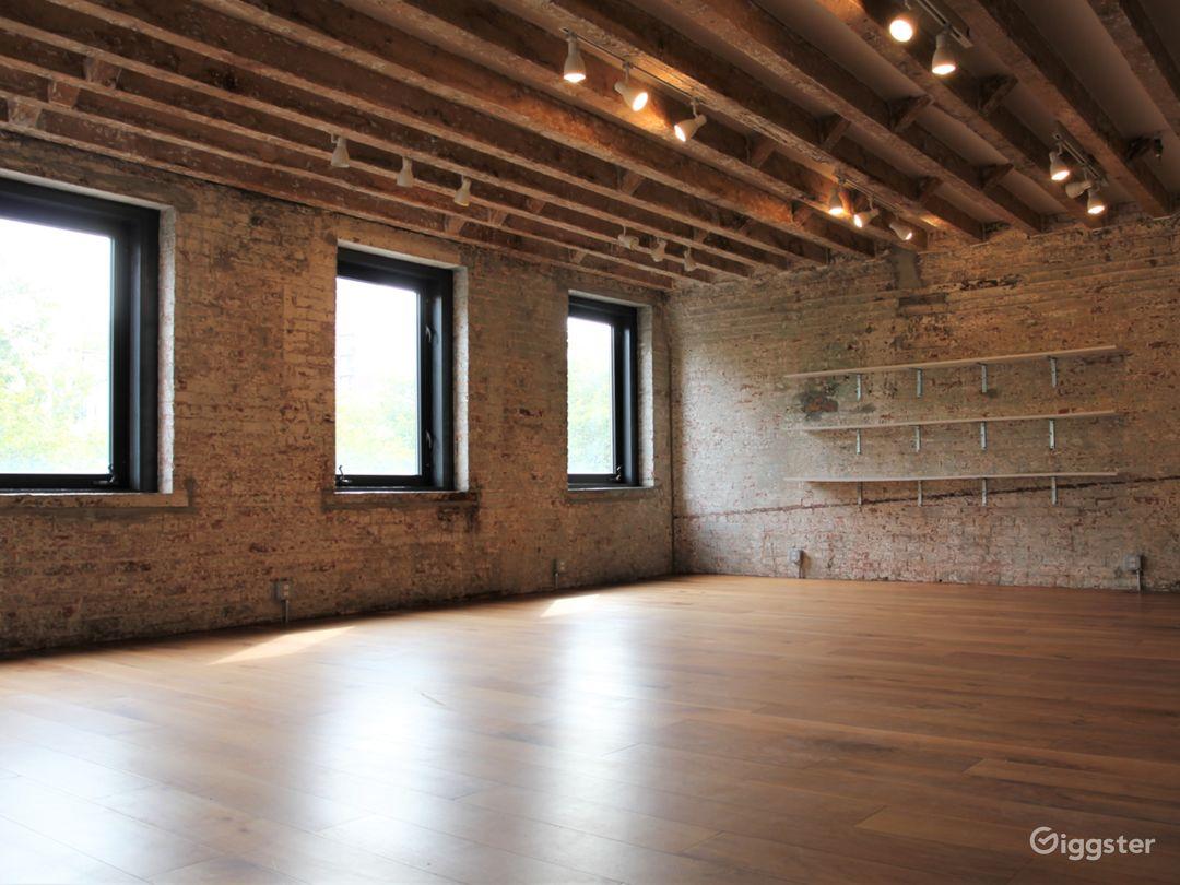 Convenient Exposed Brick Studio with Park Views Photo 2