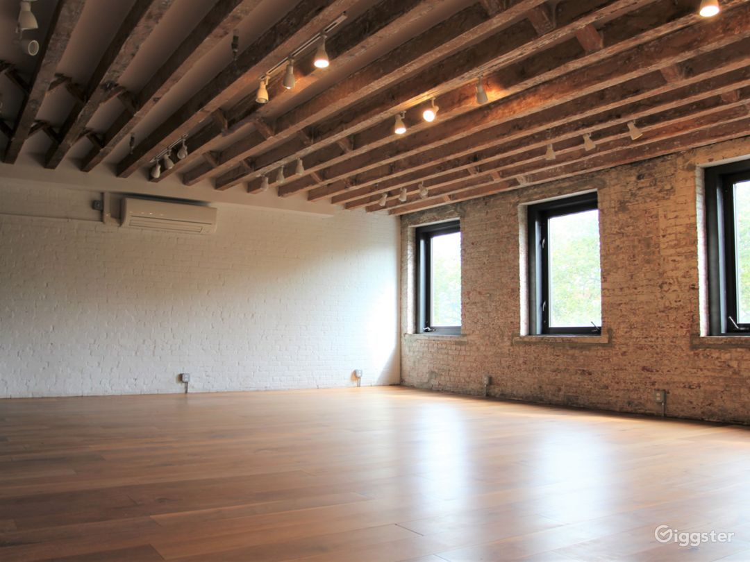Convenient Exposed Brick Studio with Park Views Photo 1