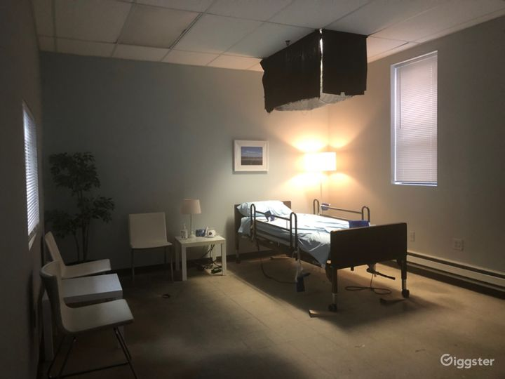 Hospital Room / Doctor's Office