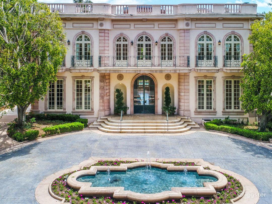 Le Chateau Rose Photo 3