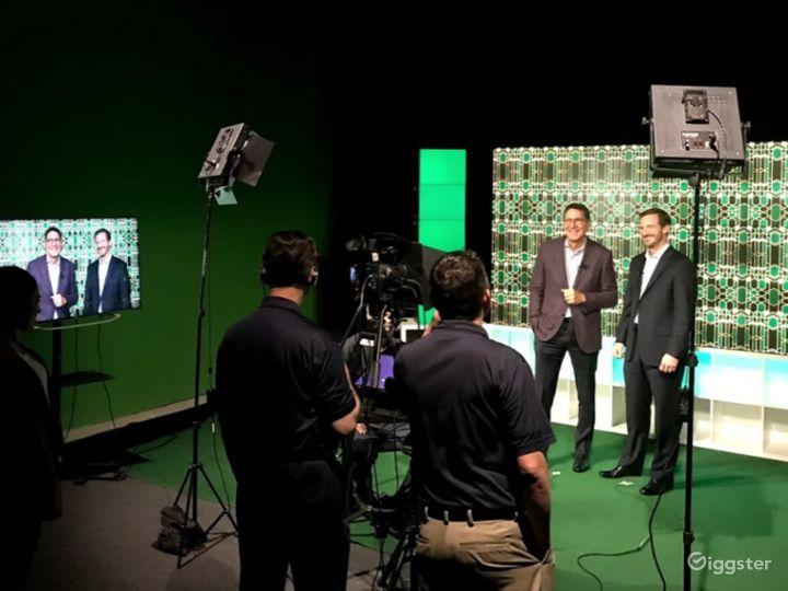 Live Broadcast TV Studio with Green Screen  Photo 3