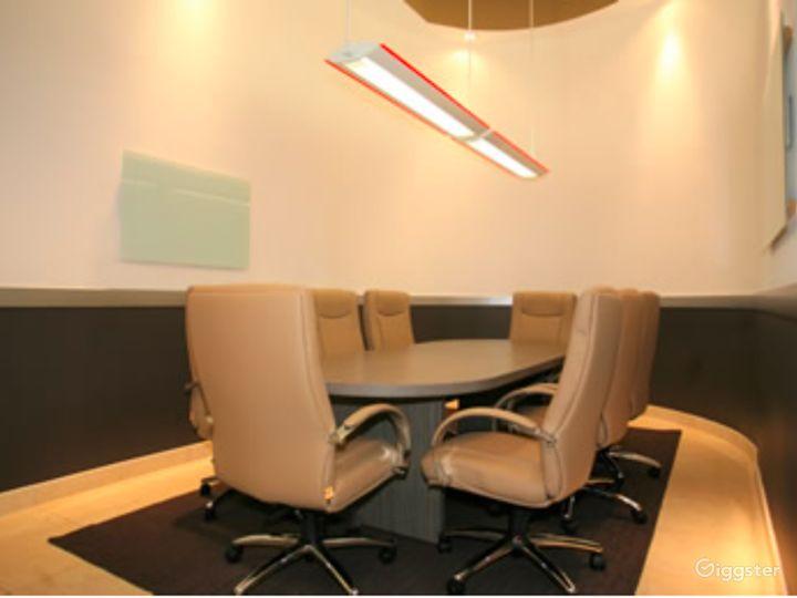 Well-kept Meeting Room in Newport Beach Photo 2