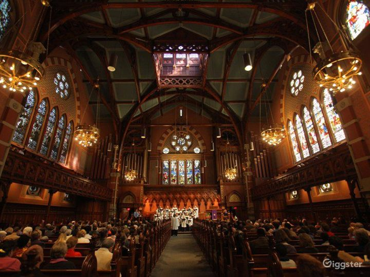 Main Sanctuary In the Heart of Back Bay Photo 3