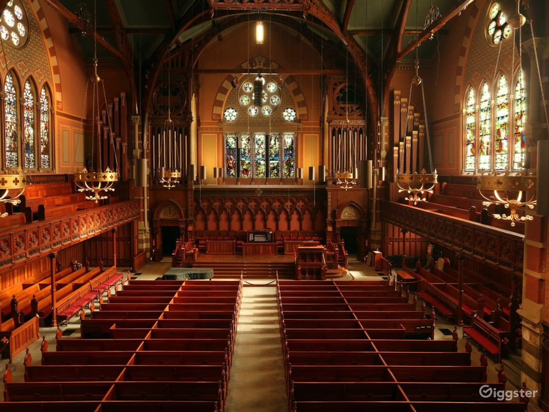 Main Sanctuary In the Heart of Back Bay Photo 1