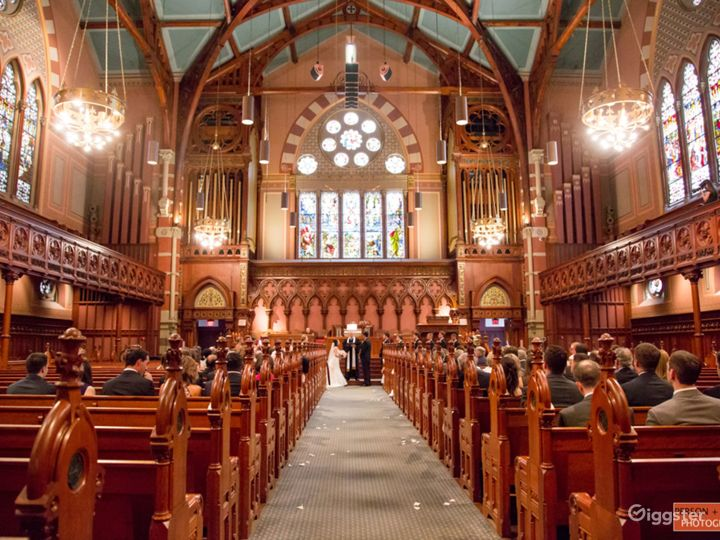 Main Sanctuary In the Heart of Back Bay Photo 2