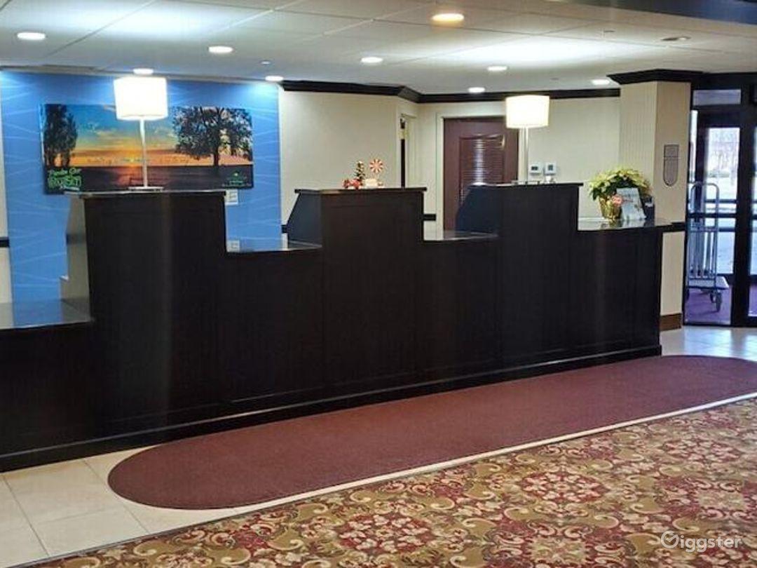 Stunning Lobby Venue in Ohio Photo 1