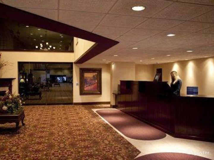 Stunning Lobby Venue in Ohio Photo 5