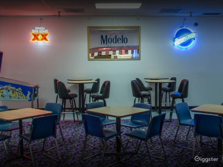 Private Bar Area with Pool Table in Tucson Photo 5