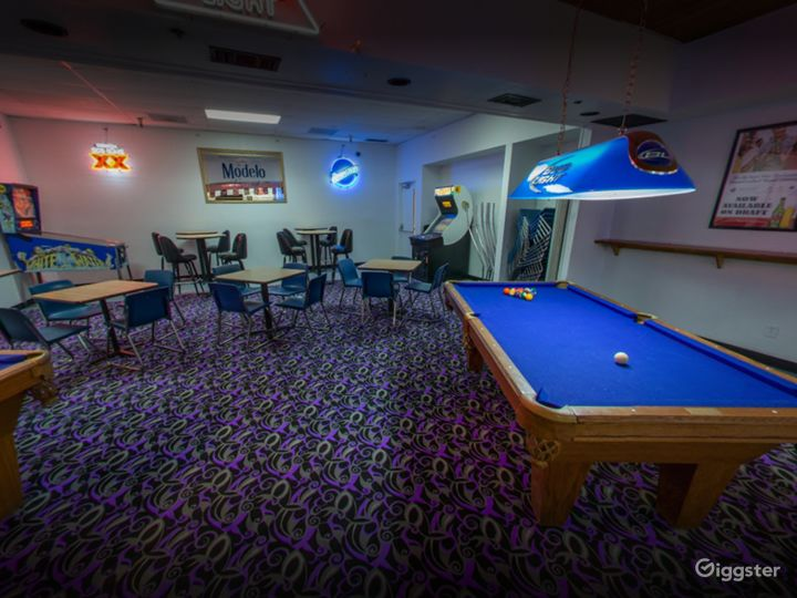 Private Bar Area with Pool Table in Tucson