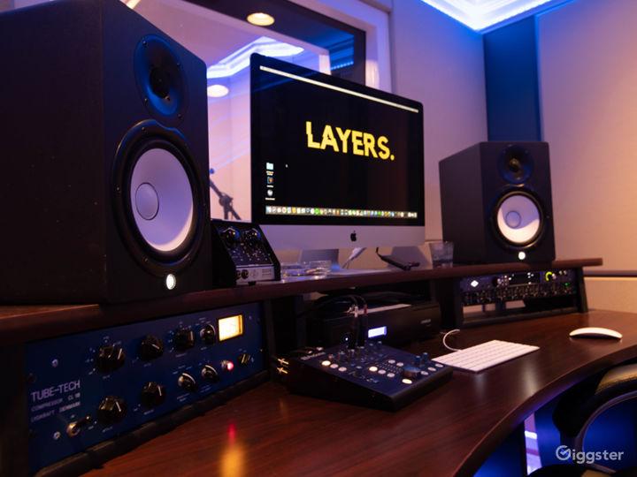 Studio A - Workstation