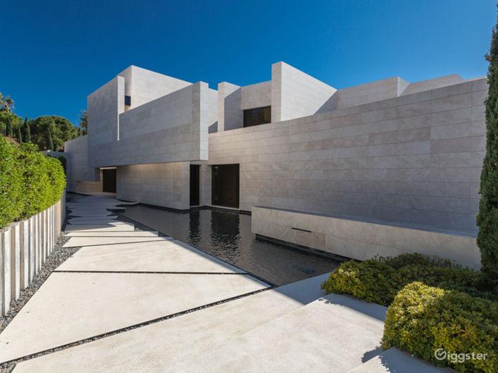 Modern Villa in Beverly Hills Photo 5