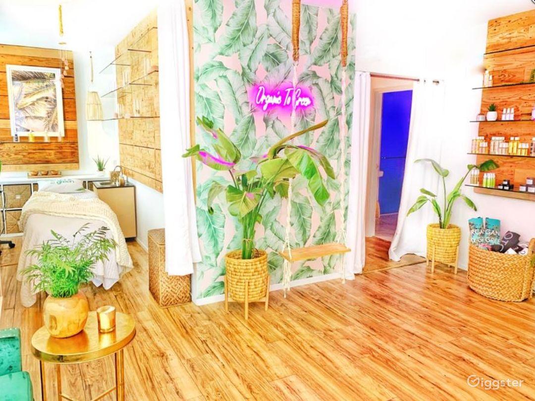 Breathtaking Beauty Spa & Infrared Sauna Bungalow in Santa Monica Photo 1