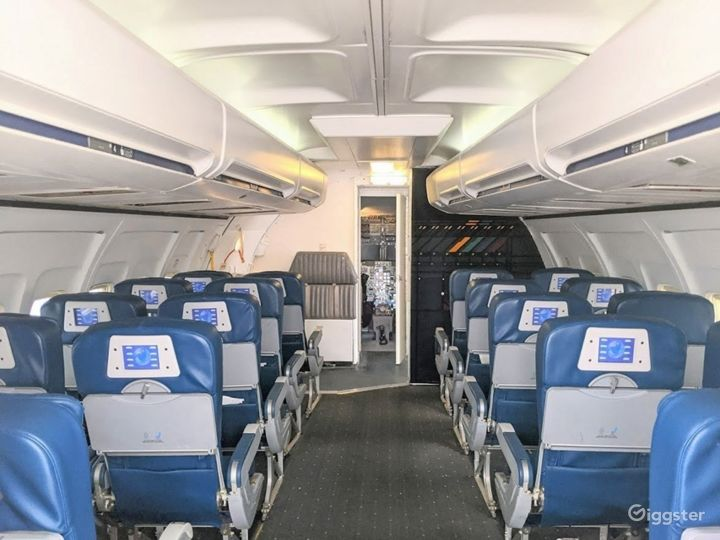 737 Airplane Interior available for filming Photo 3
