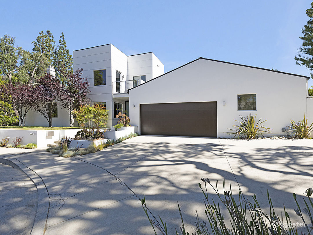 Architectural Home in Bel Air Photo 1
