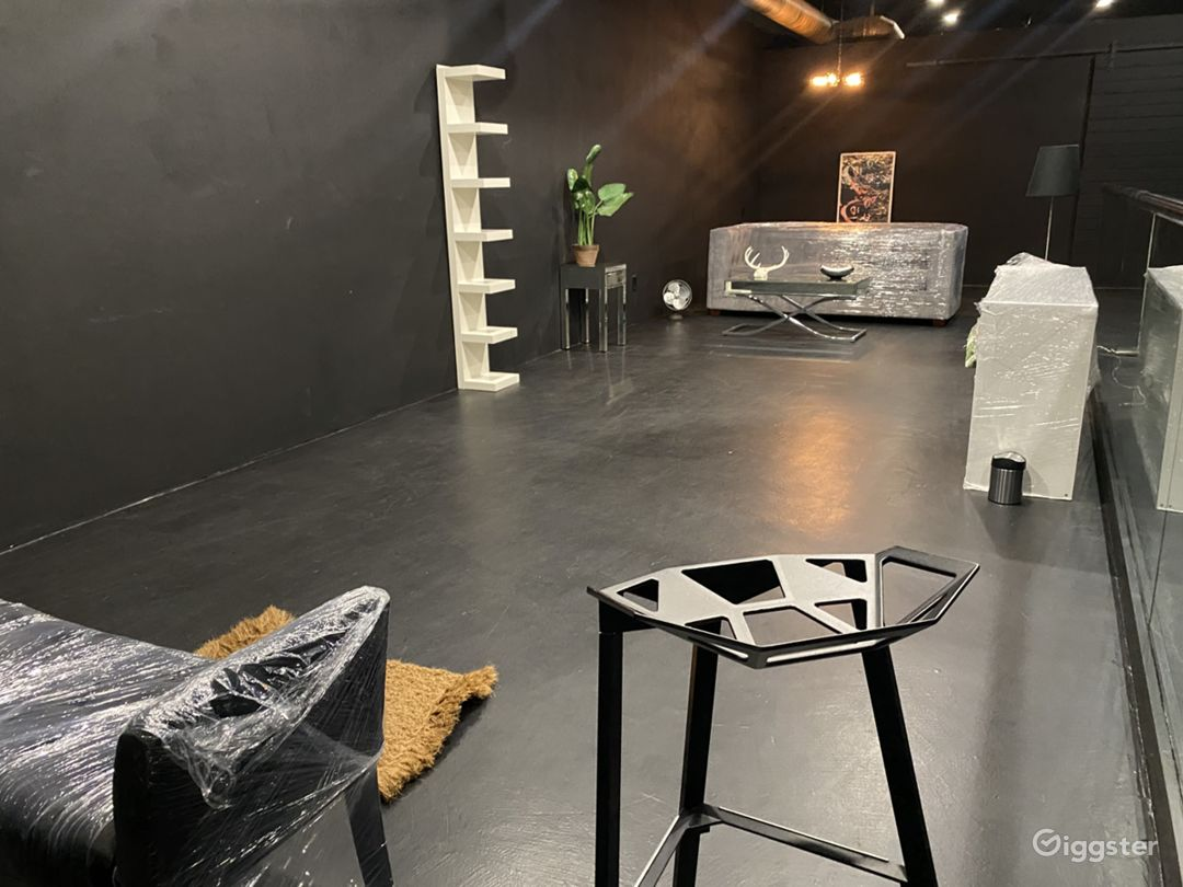 Day/Night Pop-Up Shop Furnished or Unfurnished Photo 1