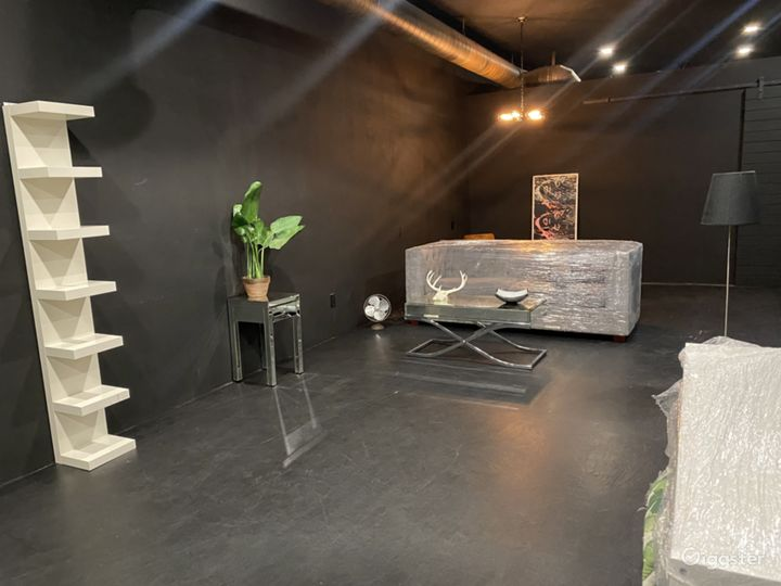 Day/Night Pop-Up Shop Furnished or Unfurnished Photo 3