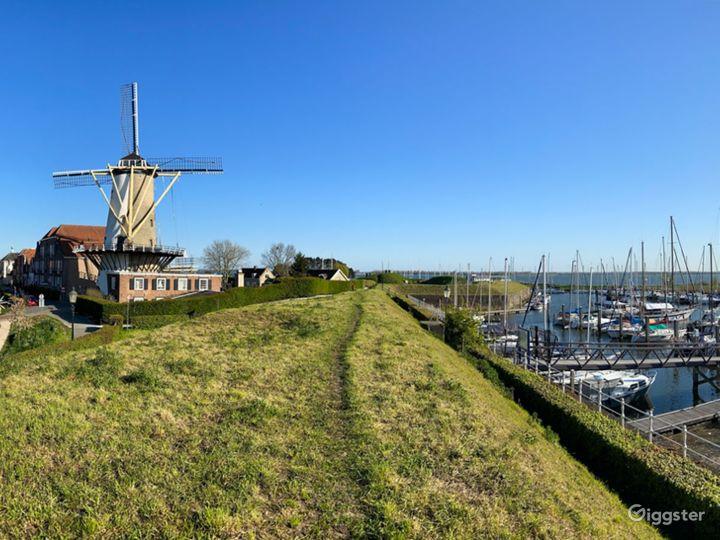 Royal Windmill d'Orange Molen at the Waterfront Photo 4