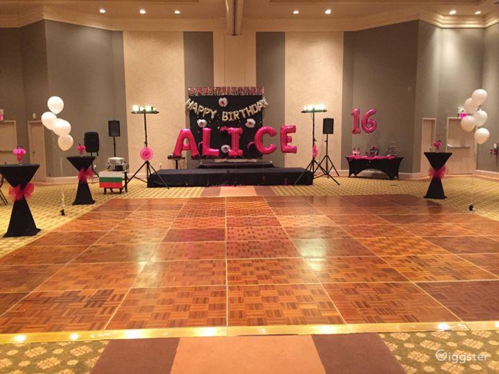 Classically Elegant Grand Ballroom  Photo 5