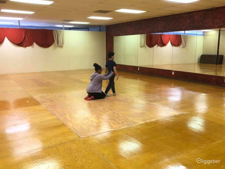 San Antonio's Glamorous Dance Studio B Photo 4