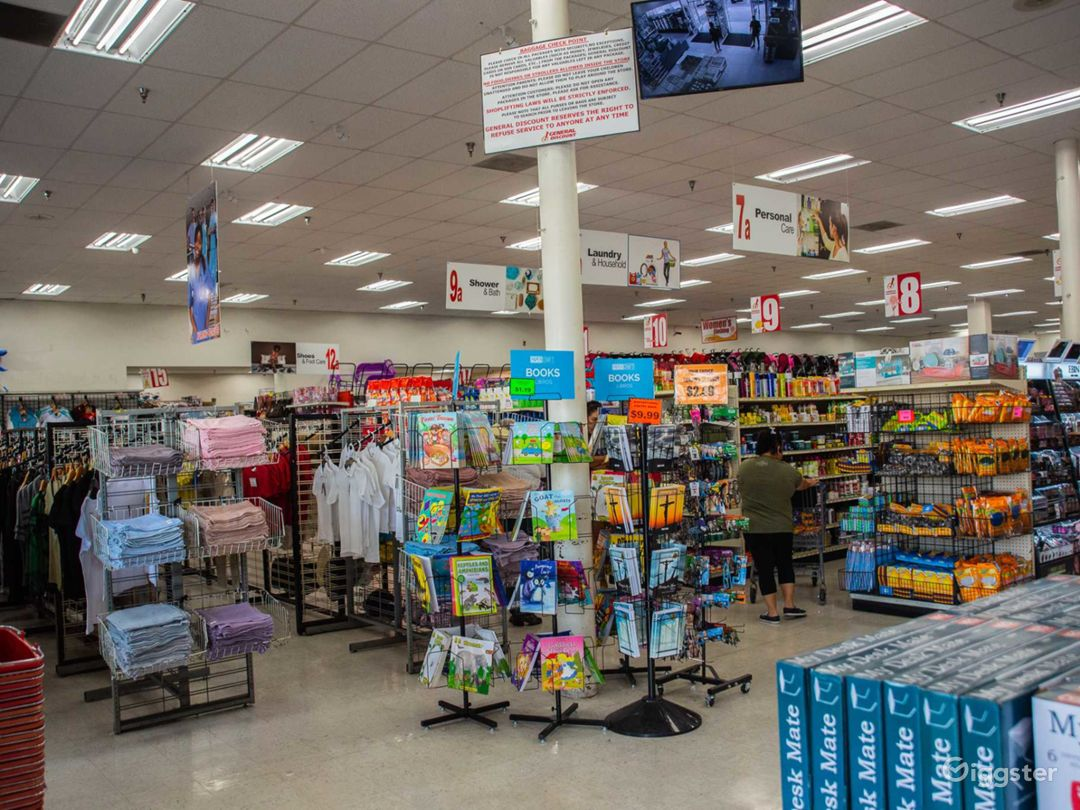 Large Discount Store in Compton Photo 4