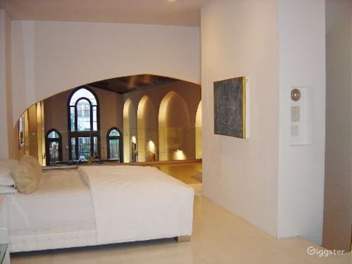 Converted church home: Location 4131 Photo 4
