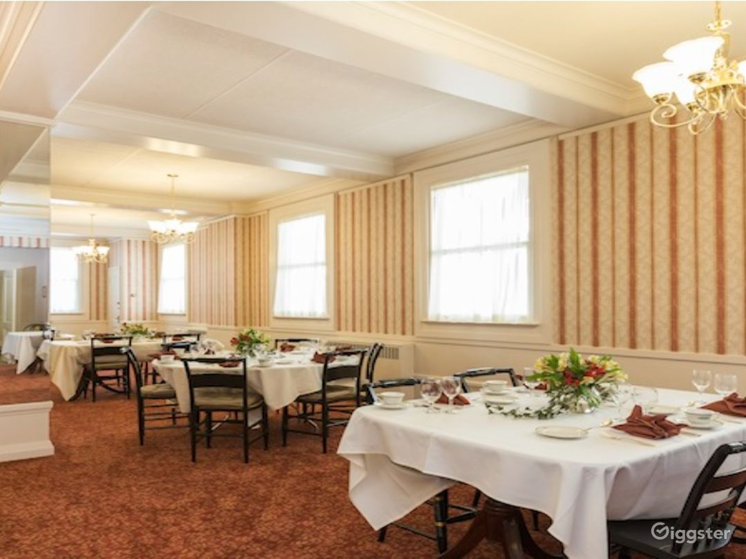 Rosy Dinning Room in San Francisco Photo 1