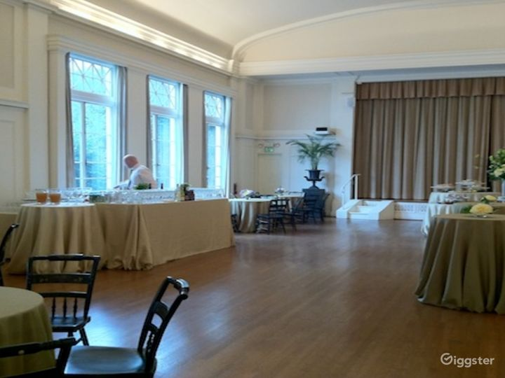 Rosy Dinning Room in San Francisco Photo 4