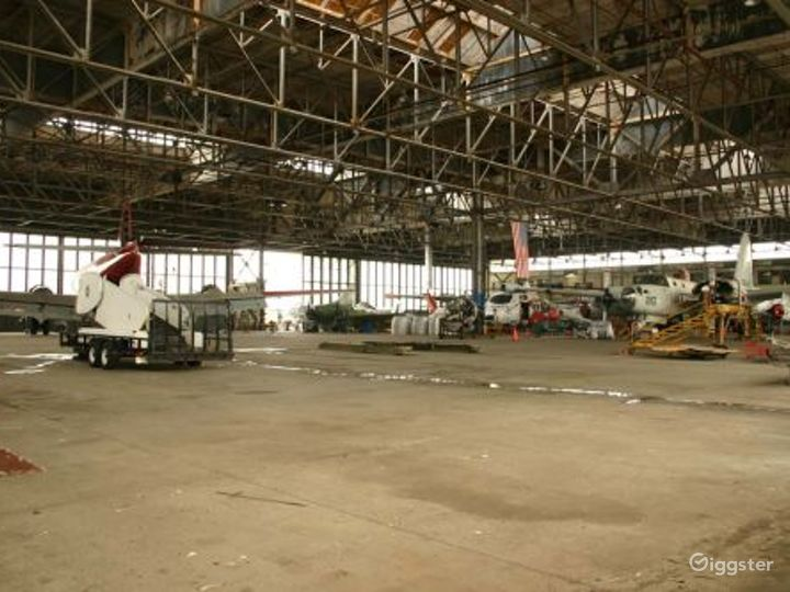 Disused airfield with hanger buildings: Location 3087 Photo 3