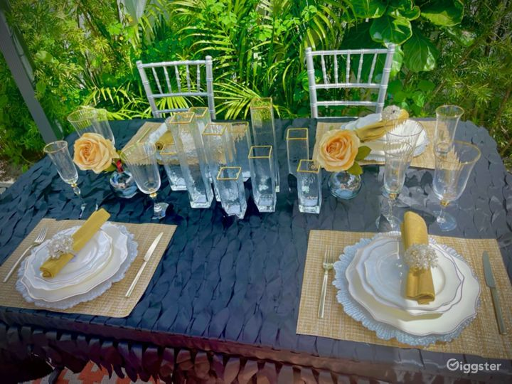 Stylish designer inviting outdoor space  Photo 4