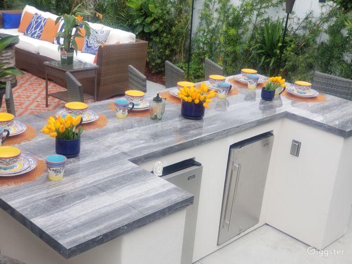 Stylish designer inviting outdoor space  Photo 2