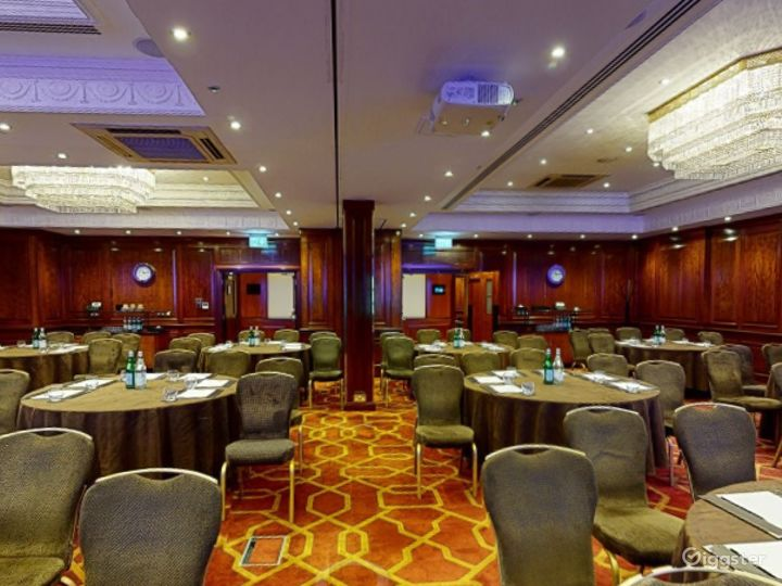 """Beautiful """"Connaught A"""" Event Space in London, Heathrow Photo 3"""