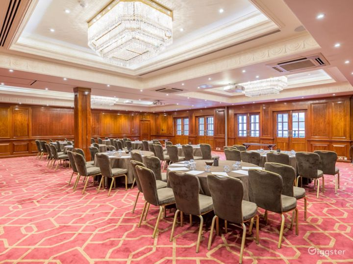 """Beautiful """"Connaught A"""" Event Space in London, Heathrow Photo 2"""