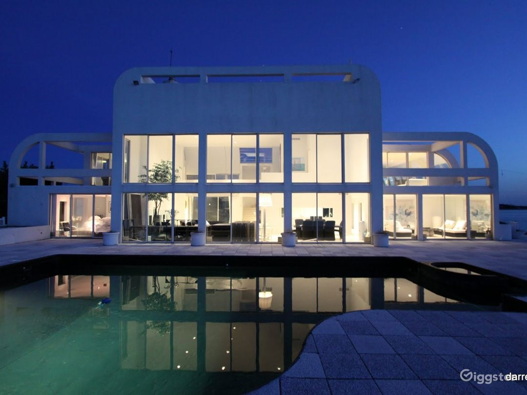 The best location in the hamptons… 360 water Photo 1