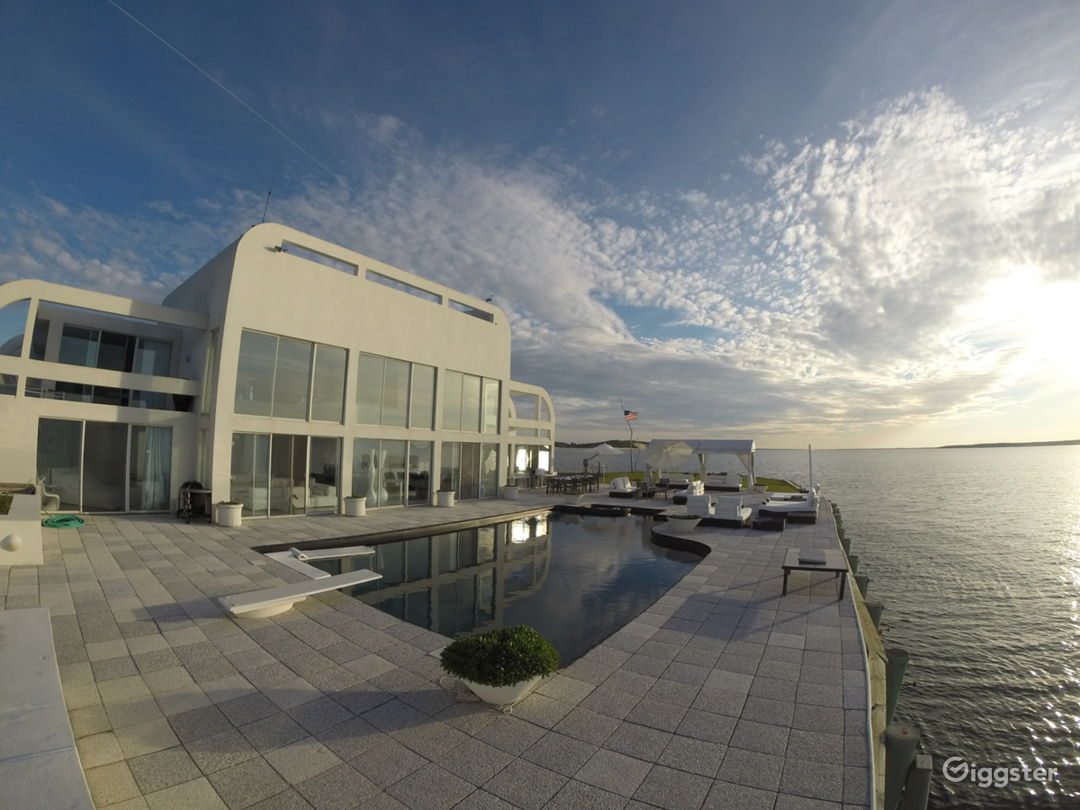 The best location in the hamptons… 360 water Photo 4