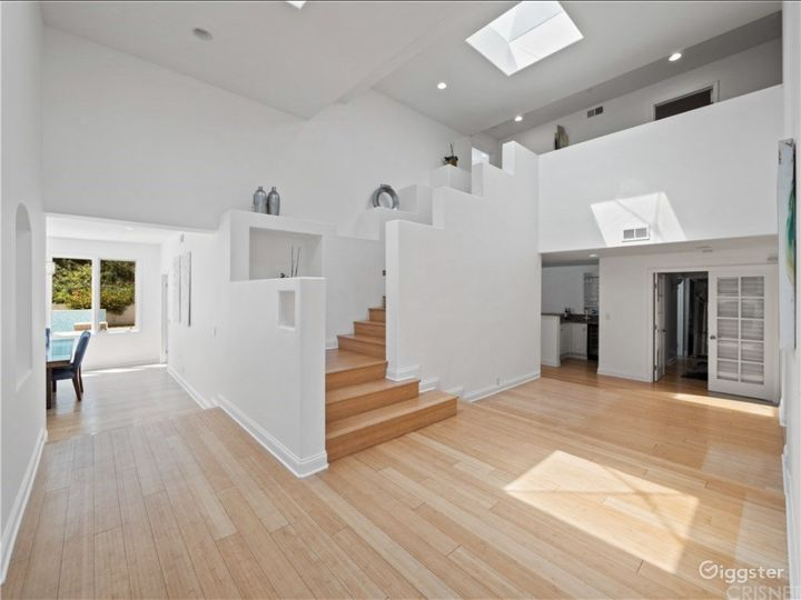 Private Gated Calabasas Home w/ New Pool  Photo 2
