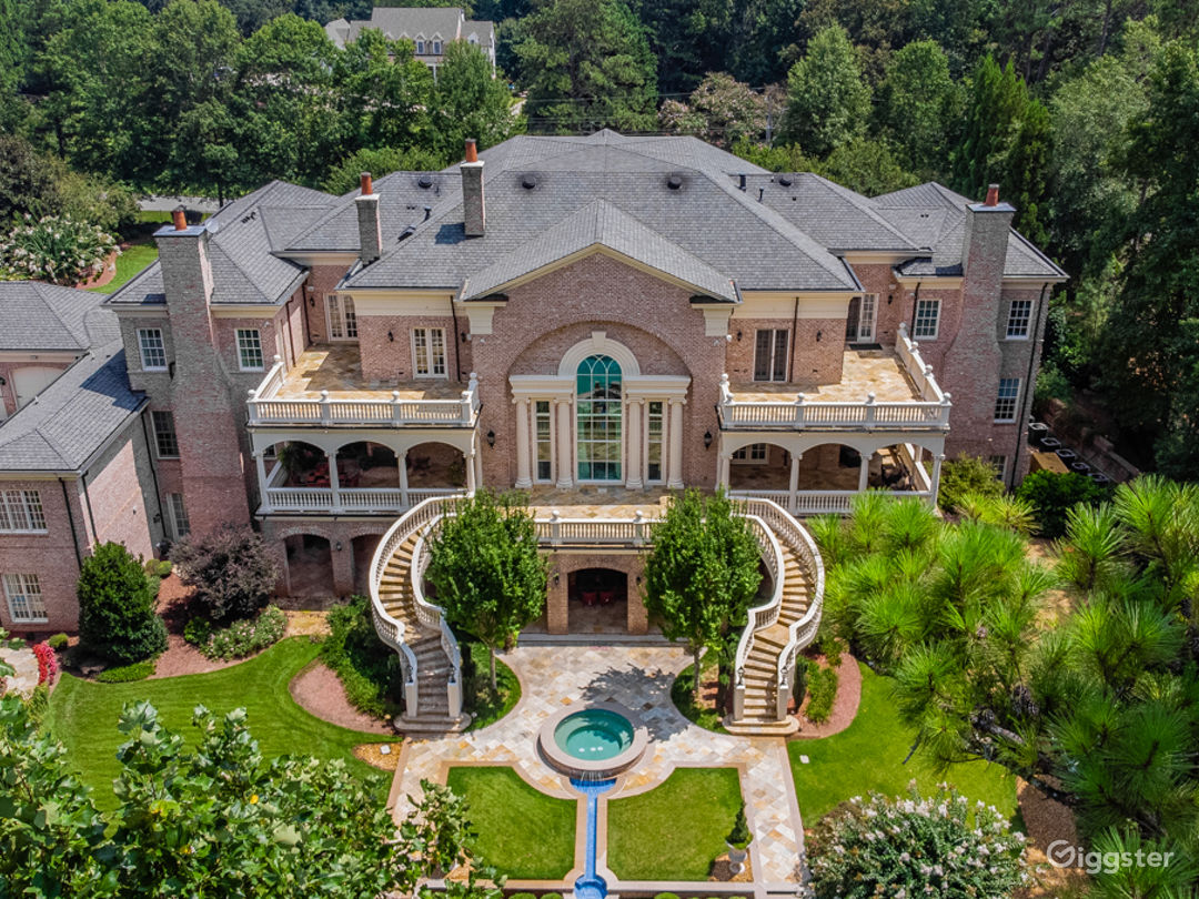 Beautiful Mansion in Roswell with Large Grounds Photo 1