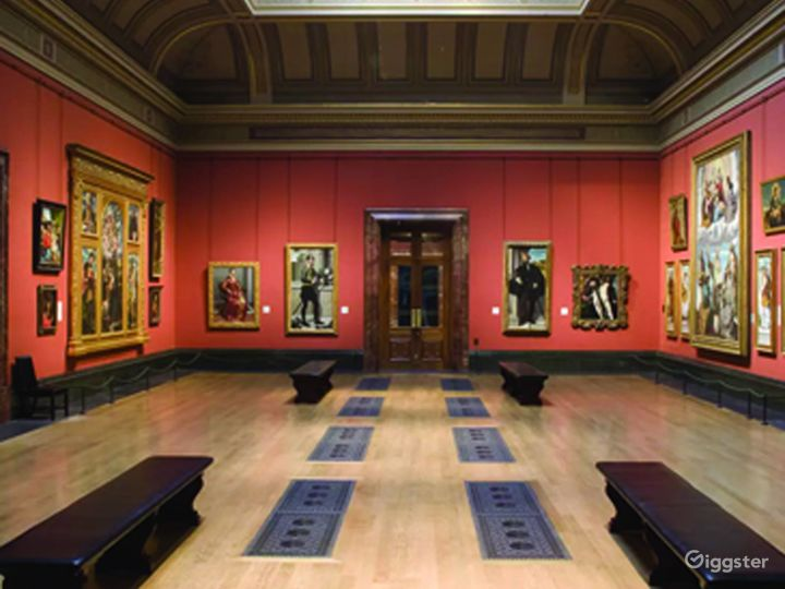 Central Hall in The National Gallery, London Photo 4