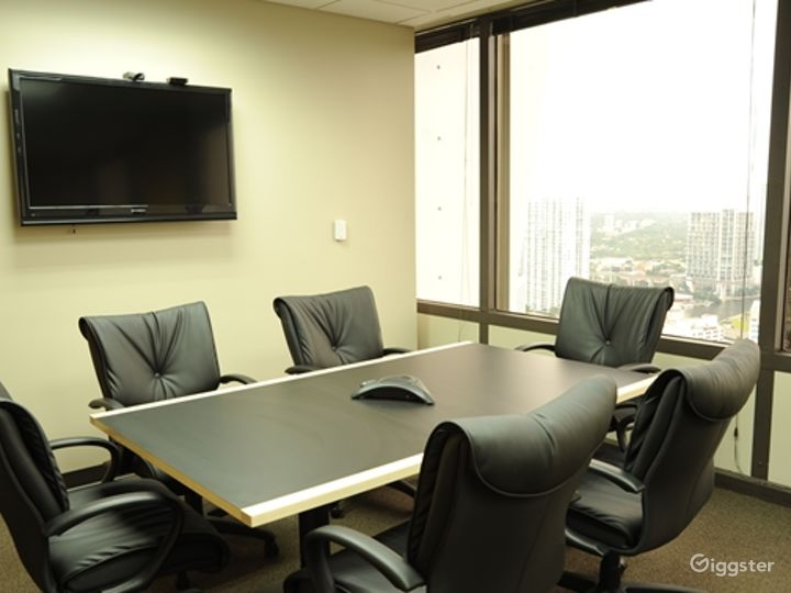 The Belmont Medium Conference Room Photo 4