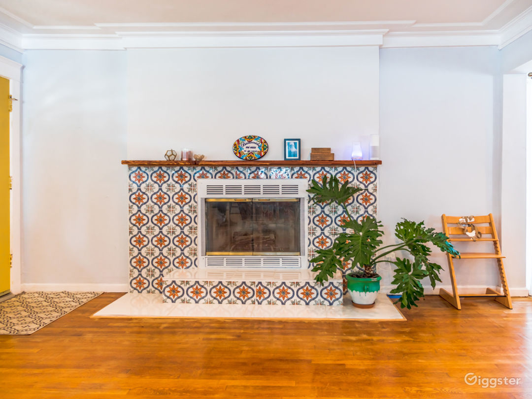 Living Room, fireplace near the main entrance
