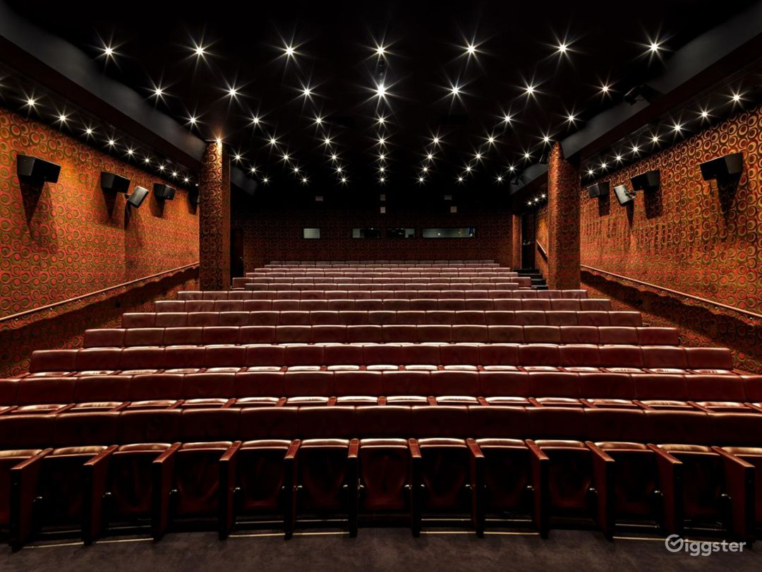 The Grand Theatre in Mayfair, London. Photo 1
