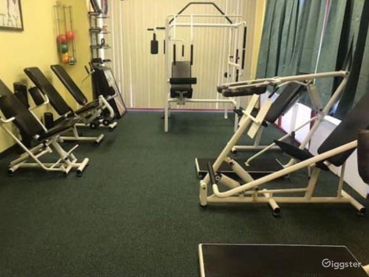 Spacious Fitness Gym in Phoenix Photo 2